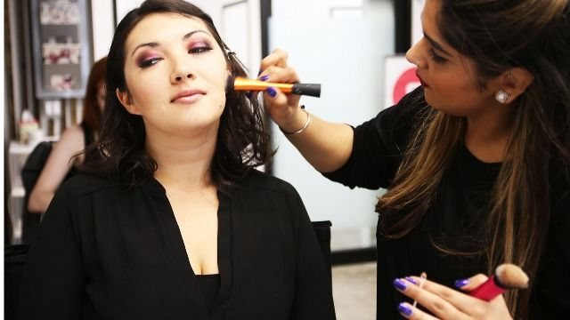 makeup artist classes