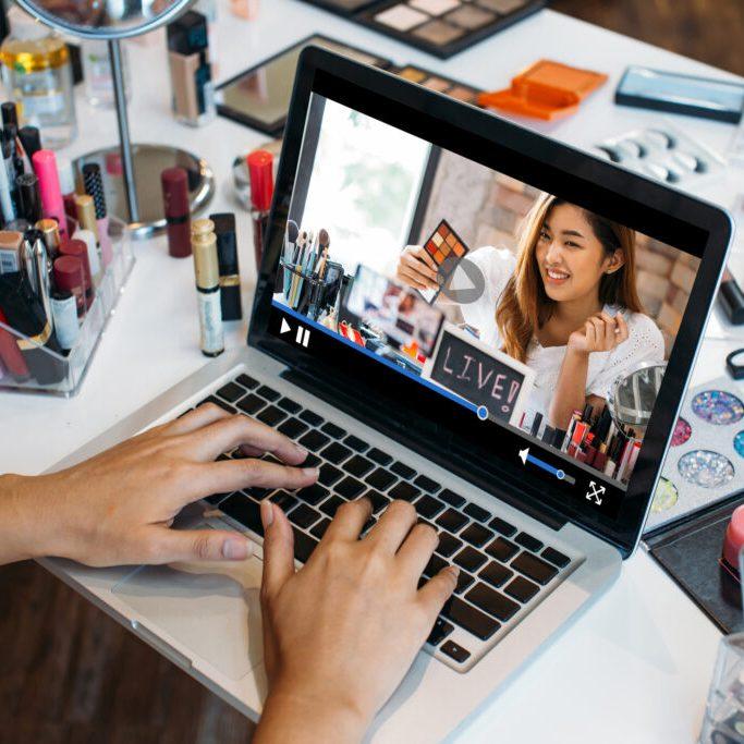 Online Courses: Virtual Makeup Lessons